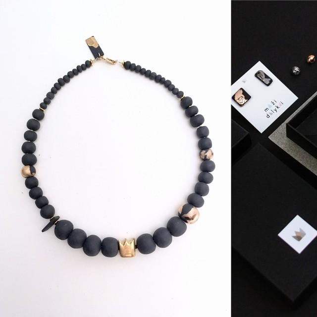 Queen's necklace
